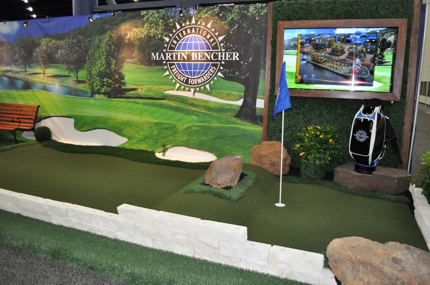 Do you need a golf theme trade show booth for your company? Expo Design Pro can help.